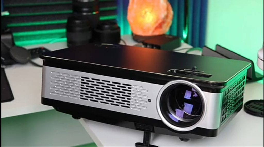 how to connect speaker to projector